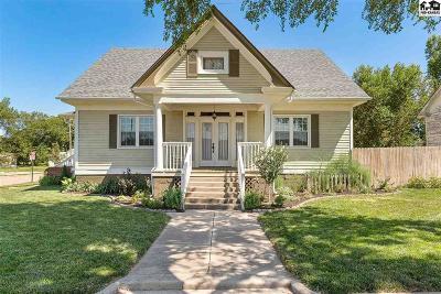 Nickerson Single Family Home For Sale: 1 E Avenue H