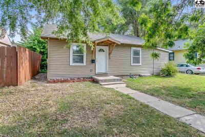 Hutchinson Single Family Home For Sale: 402 E 9th Ave
