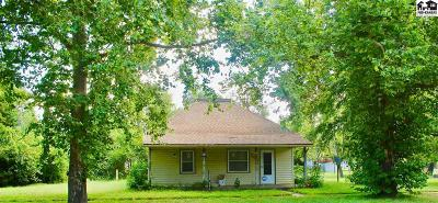 Nickerson Single Family Home For Sale: 204 N Pierce St