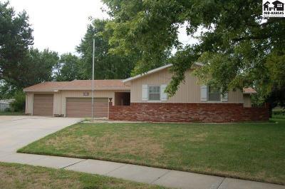 McPherson KS Single Family Home For Sale: $184,000