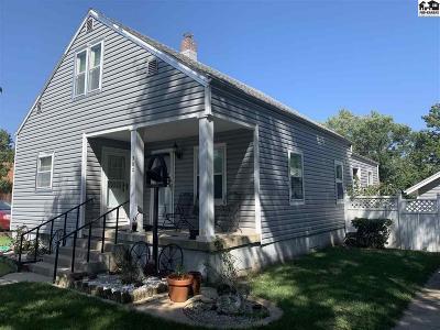 Moundridge Single Family Home For Sale: 302 E Pack St
