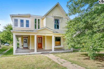 Hutchinson Single Family Home For Sale: 519 E Avenue A