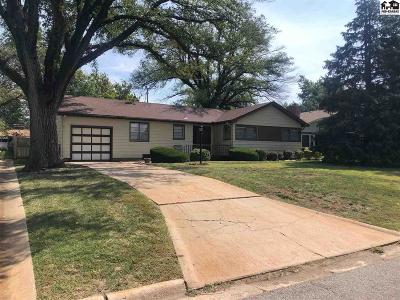 Buhler Single Family Home For Sale: 714 N Wall St