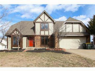 Overland Park KS Single Family Home Sold: $215,000