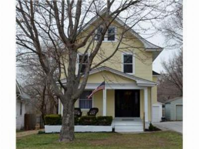 Single Family Home Sold: 1834 S Hedges Avenue