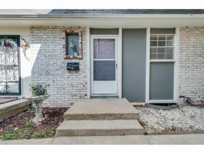 Condo/Townhouse Sold: 6940 Chapel Woods Lane