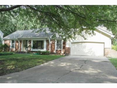 Single Family Home Sold: 309 E Bridlespur Drive
