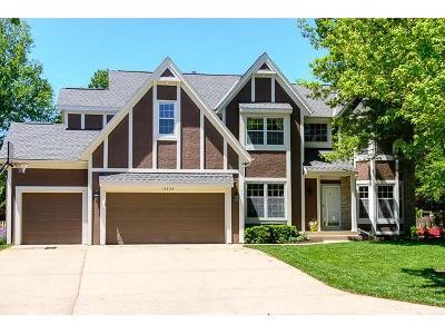Overland Park Single Family Home Sold: 12838 Larsen Street