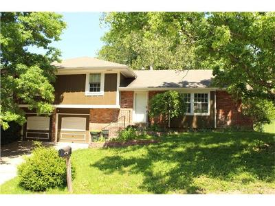 Single Family Home Sold: 5812 NW Buttonwood Drive