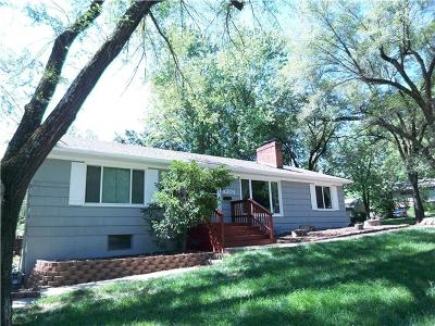 Single Family Home Sold: 8201 W 86th Street