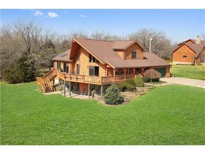 Johnson-KS County Single Family Home For Sale: 8180 Ravenswood Lane