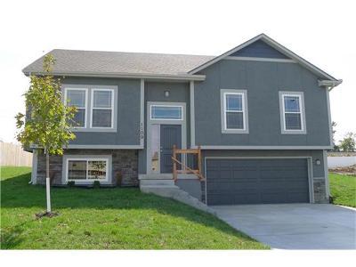 Oak Grove Single Family Home Show For Backups: 1114 SW 10th Terrace