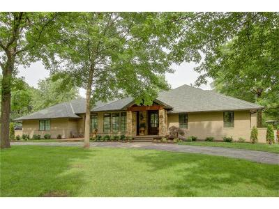 Prairie Village Single Family Home For Sale: 8421 Briar Lane