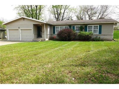 Lee's Summit Single Family Home For Sale: 605 SE 3rd Street