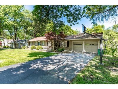 Johnson-KS County Single Family Home For Sale: 5838 Fontana Drive