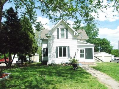 Atchison KS Single Family Home Contingent: $119,900