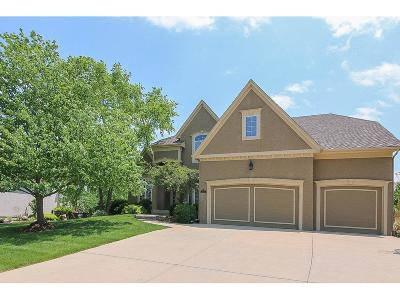 Leawood Single Family Home For Sale: 15055 Oxford Street