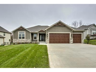 Basehor Single Family Home For Sale: 15518 Spruce Street