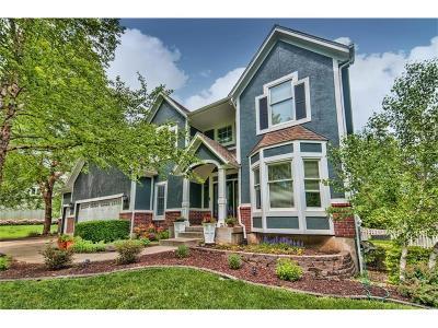Johnson-KS County Single Family Home Contingent: 18833 S Greenway Lane