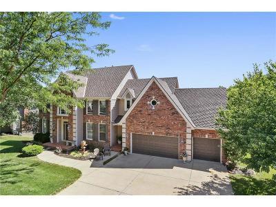 Parkville Single Family Home For Sale: 5515 Spinnaker Point