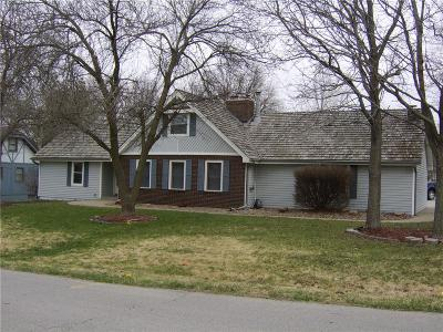Kansas City Single Family Home For Sale: 12400 Clubhouse Drive