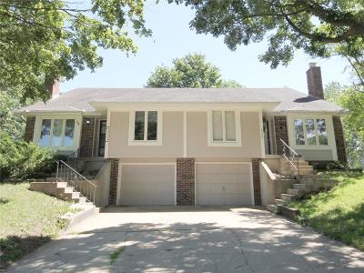 Overland Park Multi Family Home For Sale: 8330 Carter Street