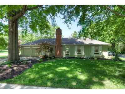 Prairie Village Single Family Home For Sale: 5414 W 64th Terrace