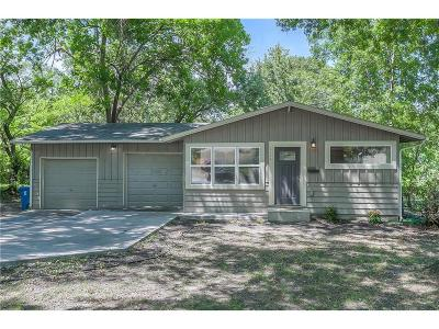 Prairie Village Single Family Home Show For Backups: 6124 W 76th Street