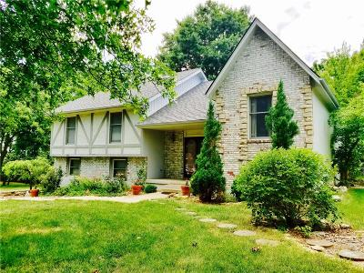 Raytown Single Family Home For Sale: 8420 Woodson Drive