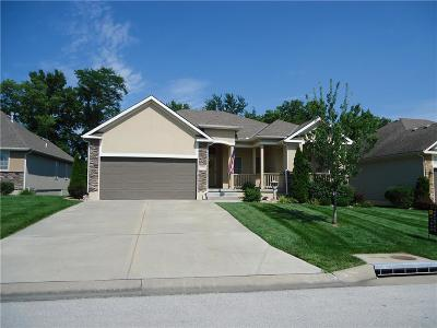 Grain Valley Single Family Home Contingent: 1701 NW Hedgewood Drive