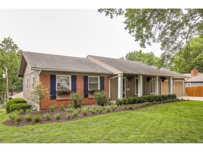 Overland Park Single Family Home For Sale: 8734 Maple Drive