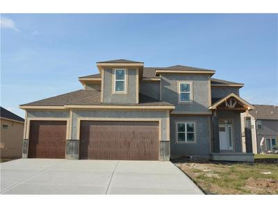 Blue Springs Single Family Home For Sale: 805 SE Sparrow Court