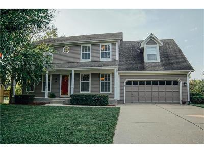Overland Park Single Family Home For Sale: 15733 Outlook Street