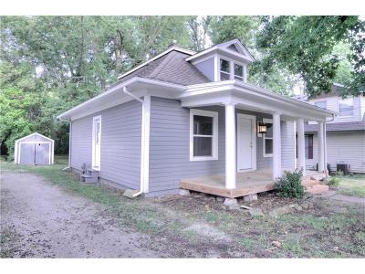 Liberty MO Single Family Home For Sale: $114,900