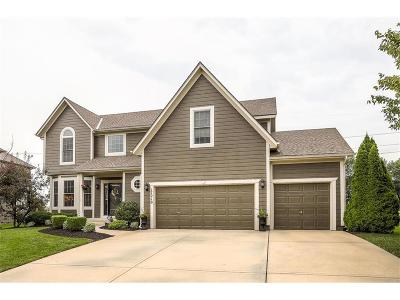 Olathe KS Single Family Home For Sale: $359,900