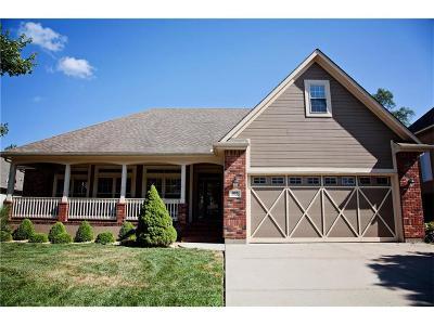 Grain Valley Single Family Home For Sale: 1105 NW Burr Oak Lane