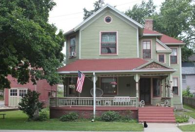Atchison Single Family Home For Sale: 417 N 4th Street
