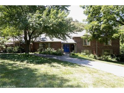 Leawood Single Family Home For Sale: 9814 Lee Boulevard