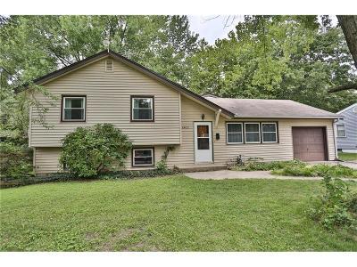 Gladstone MO Single Family Home For Sale: $175,000