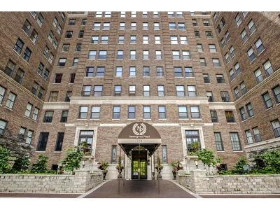 Kansas City Condo/Townhouse For Sale: 229 Ward Parkway #1001-A