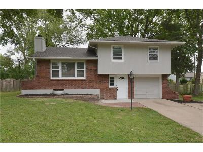 Gladstone MO Single Family Home Show For Backups: $129,000