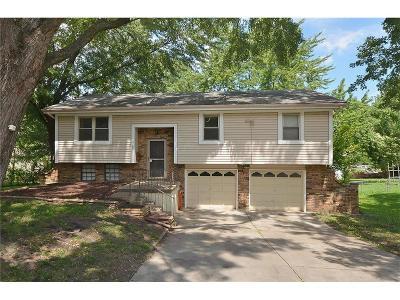 Gladstone MO Single Family Home For Sale: $145,000