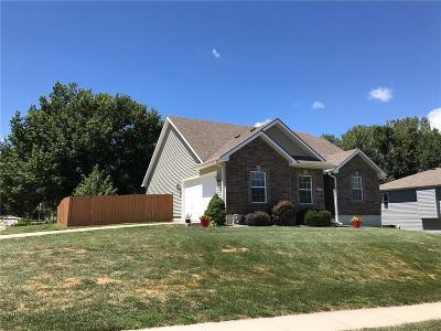 Warrensburg Single Family Home For Sale: 302 Talon Court