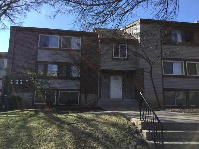 Overland Park Condo/Townhouse For Sale: 10104 W 96th Street #C