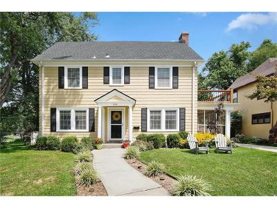 Single Family Home For Sale: 444 W Dartmouth Road