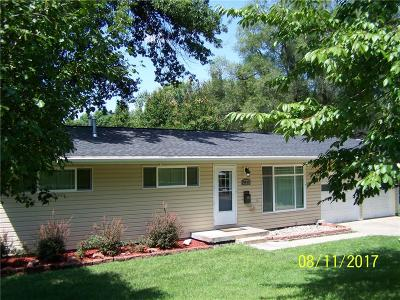 Gladstone MO Single Family Home Show For Backups: $140,000