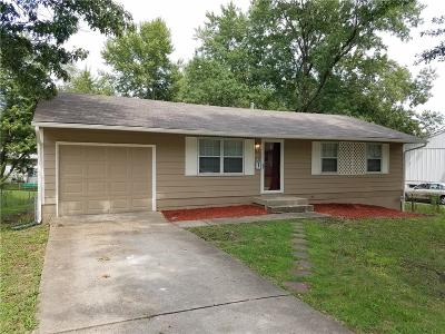 Kansas City Single Family Home For Sale: 9621 Ditman Way