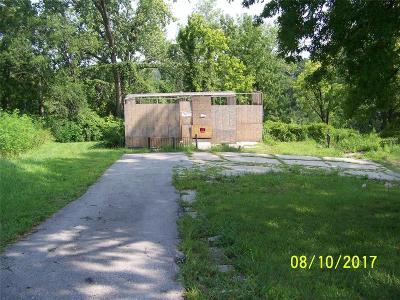 Baldwin City MO Single Family Home For Sale: $2,500