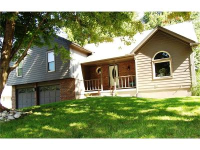 Blue Springs Single Family Home For Sale: 429 NW Beau Drive