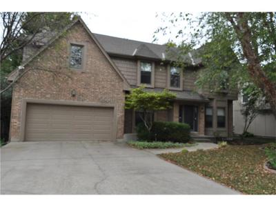 Overland Park Single Family Home For Sale: 8102 W 153rd Street